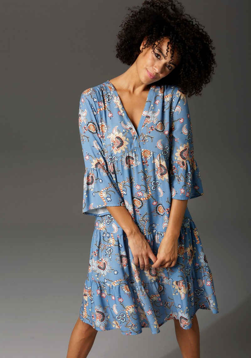 Aniston CASUAL Tunikakleid mit fantasievollem Blumendruck