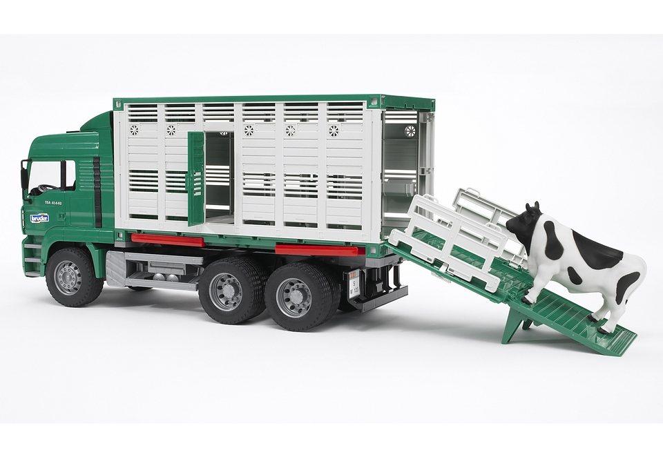 bruder® LKW, »MAN TGA Tiertransport inkl. 1 Rind« in grün