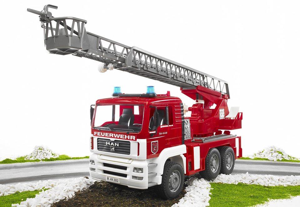 bruder® Feuerwehr, »MAN mit Drehleiter, Wasserpumpe und Light and Sound Module (trucks)« in rot