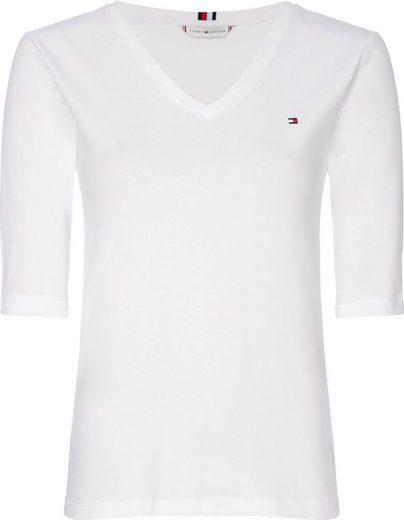 TOMMY HILFIGER V-Shirt »TH ESS SOLID V-NK TOP 1/2 SLV« Mit kleiner Tommy Hilfiger Logo-Stickerei