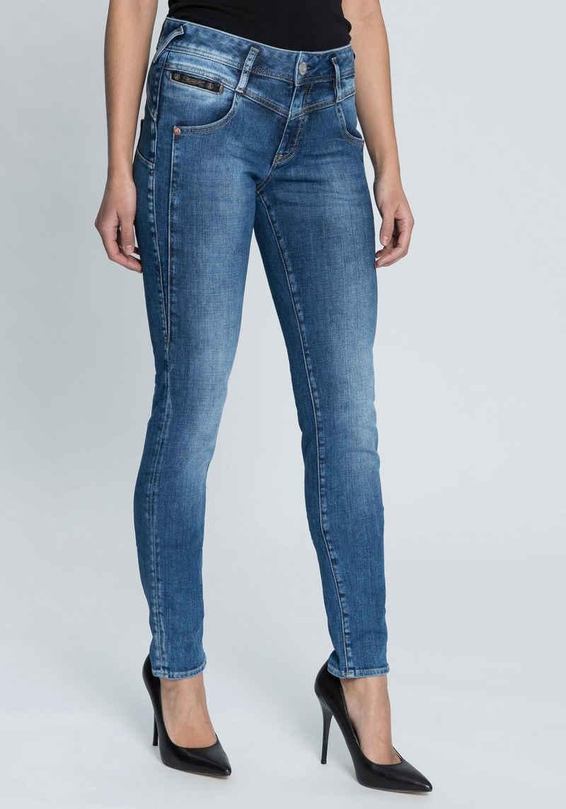 Herrlicher Slim-fit-Jeans »COSY SLIM« Shaping-Wirkung durch eingearbeiteten Keileinsatz