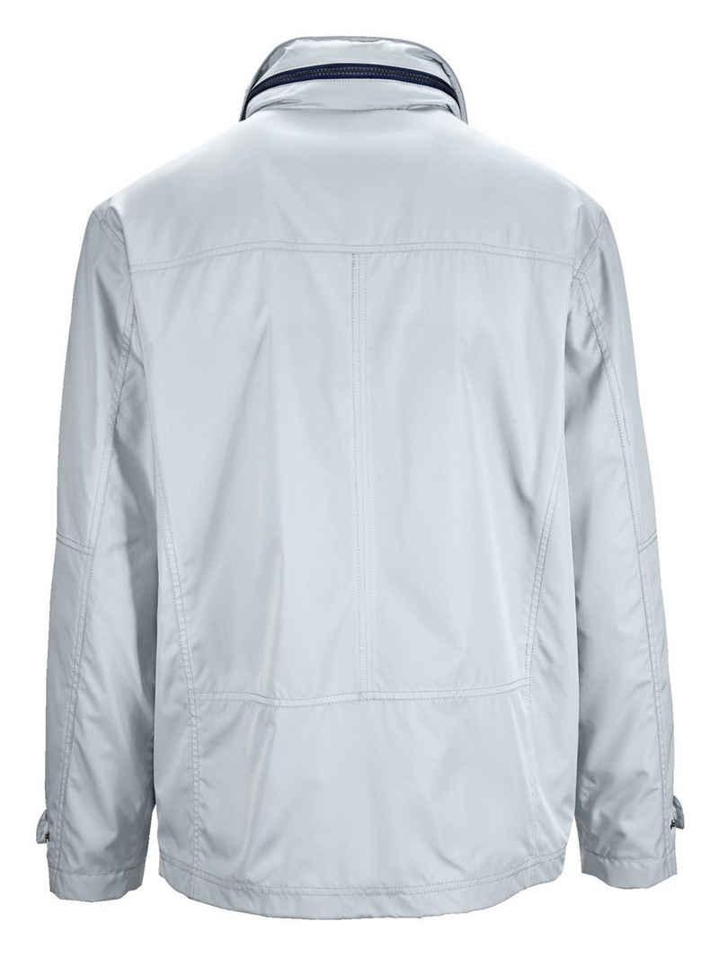 Babista Jacke aus extrem leichter Qualität
