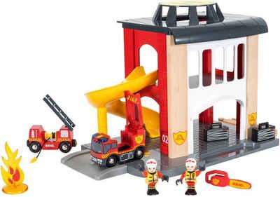 BRIO® Spiel-Feuerwehrwache »BRIO® WORLD Große Feuerwehrstation mit Einsatzfahrzeug«, FSC®-Holz aus gewissenhaft bewirtschafteten Wäldern