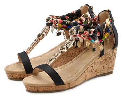 LASCANA Sandalette mit Keilabsatz und mit modischer Verzierung
