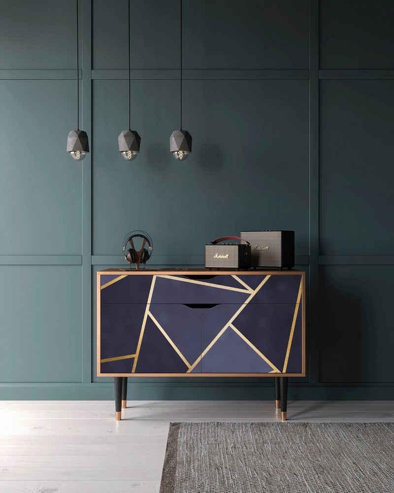 Places of Style Kommode »Amethist«, mit dekorativen Print auf den Türen