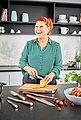 RÖSLE Allzweckmesser »Masterclass«, scharfes Küchenmesser mit Wellenschliff zum universellen Einsatz, Obst und Gemüse, Made in Solingen, Klingenspezialstahl, Nussbaumholz, Bild 5