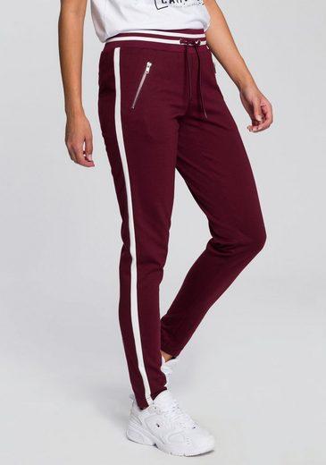 AJC Jogger Pants im trendigem Retro-Design