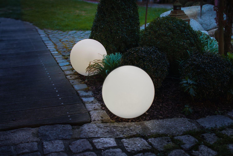 Zeig' dein Hue: Outdoor LightStrip im Pflaster versenkt