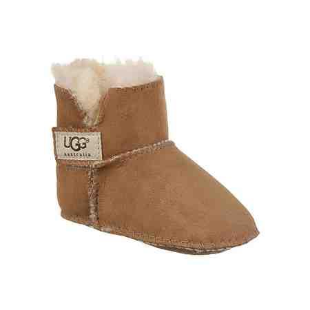 Ab nach draußen: Keine Pfütze, kein Schnee, kein Wind kann sie aufhalten! Hier kommen tolle Stiefel für Jungs.