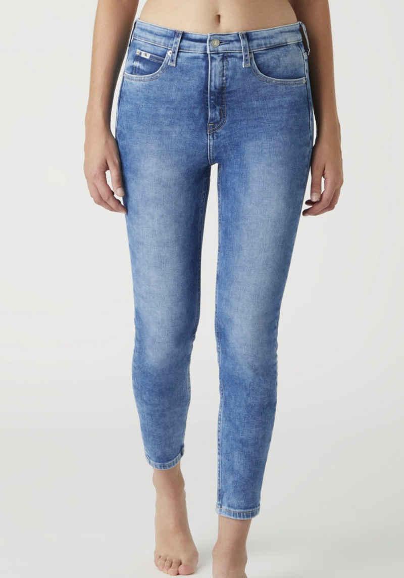 Calvin Klein Jeans Skinny-fit-Jeans »HIGH RISE SUPER SKINNY ANKLE« mit CK Monogramm Logo-Stickerei & Badge