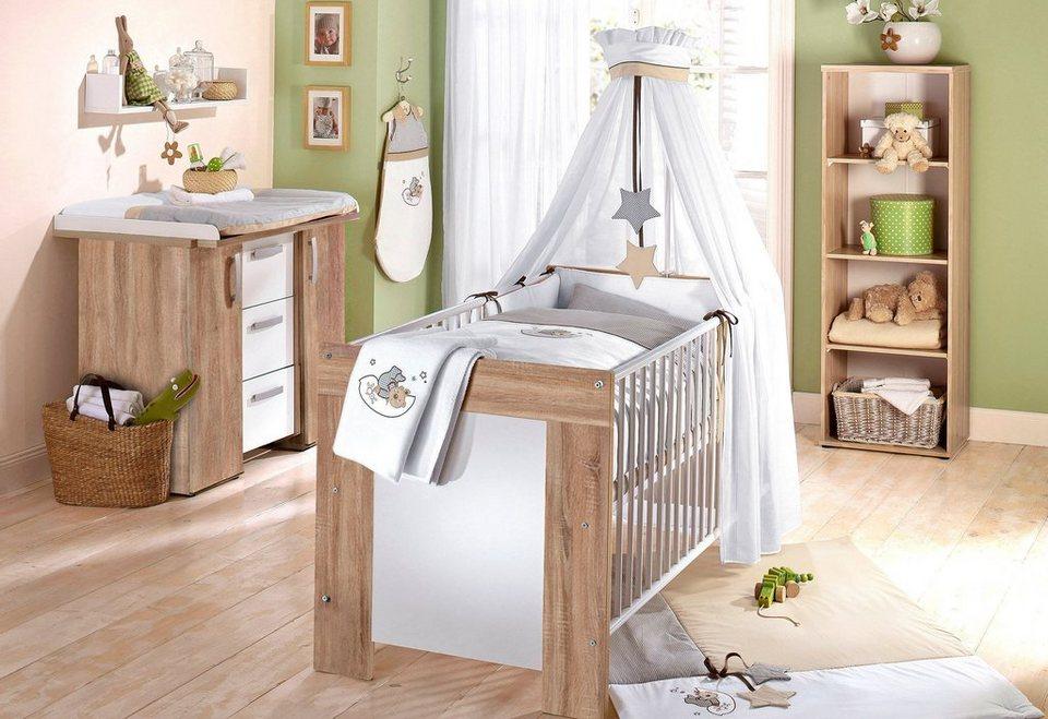 Babyzimmer Idee mit Möbel in Holzoptik & hellgrüner Wand