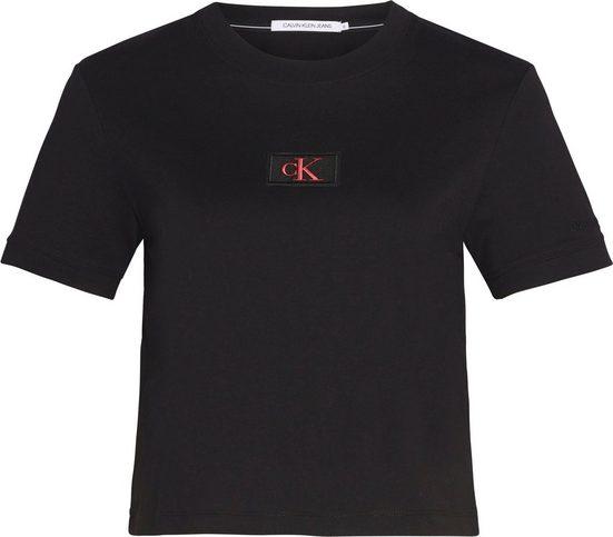 Calvin Klein Jeans T-Shirt »CK BADGE CROPPED TEE« mit gesticktem CK Logo-Label auf der Brust