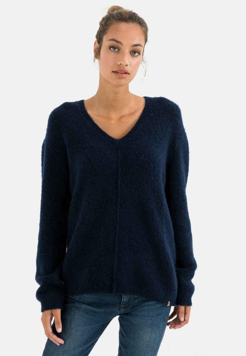 camel active V-Ausschnitt-Pullover »Pullover aus Feinstrick« Markenlabel