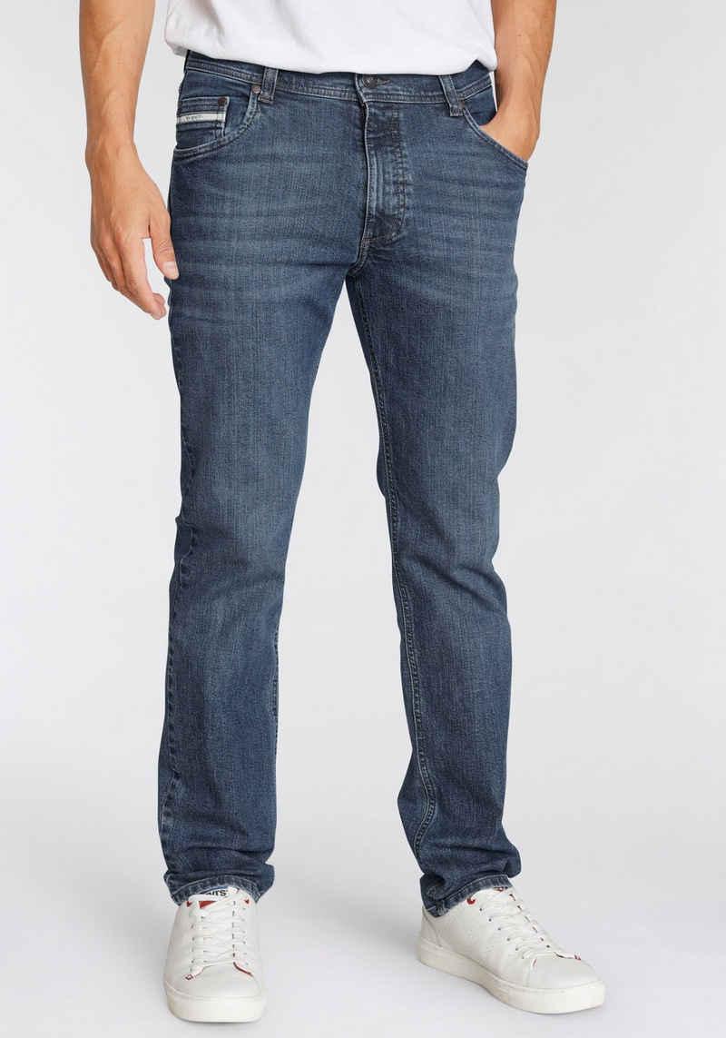 bugatti 5-Pocket-Jeans im Rückenteil mit doppelter Gürtelschlaufe
