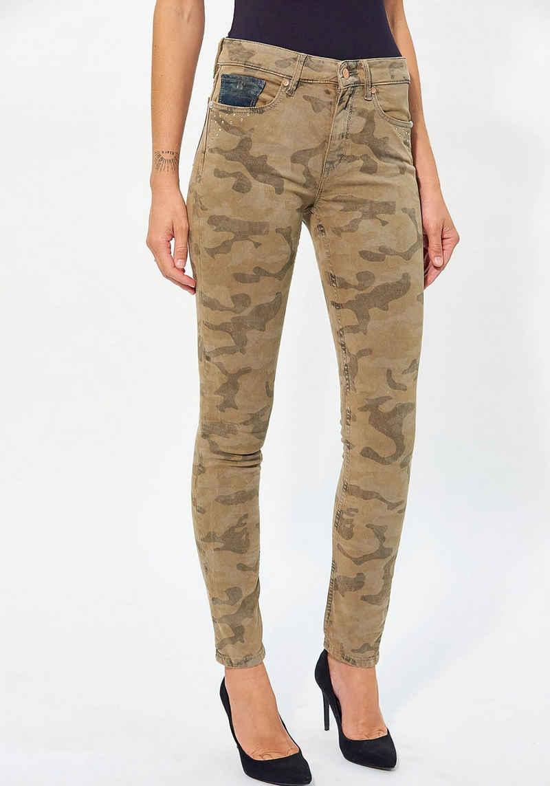 Kaporal Slim-fit-Jeans »LAMOUE« mit trendigem Camouflagemuster