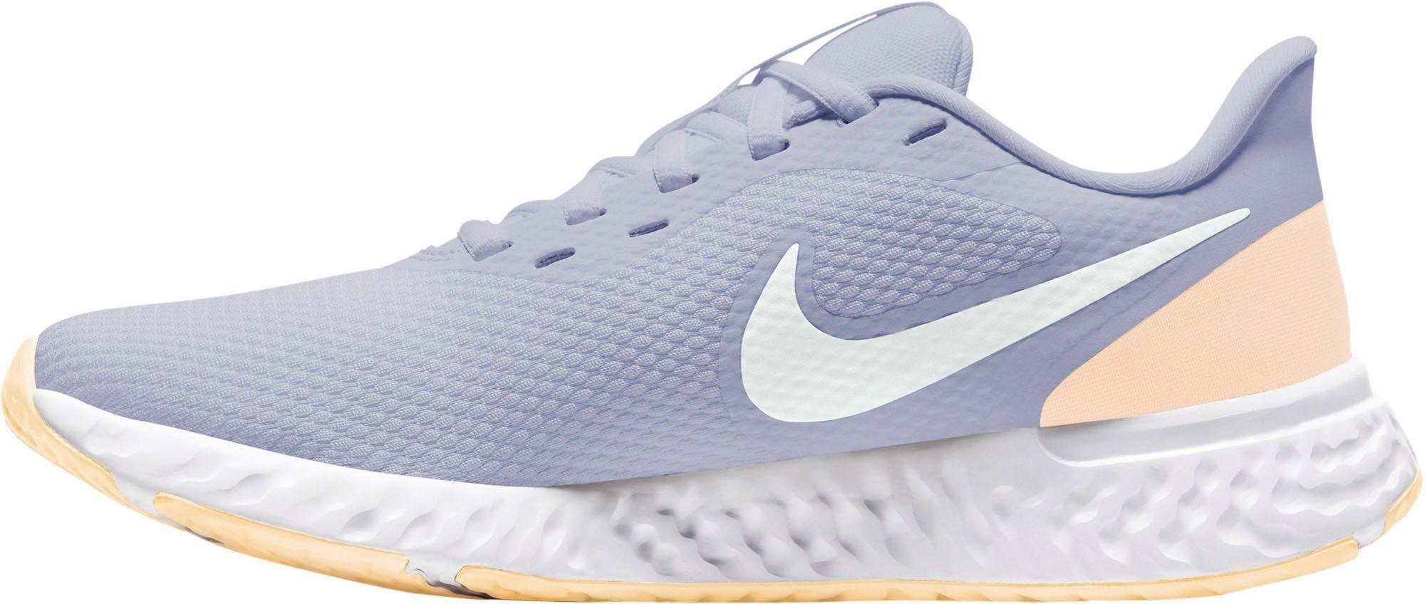 Mit seinem luftigen, leichten Design ist dieser WMNS Nike