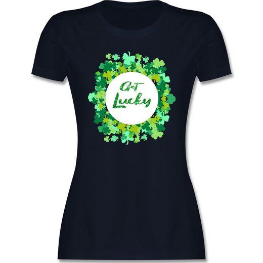 Shirtracer T-Shirt »Get lucky Kleeblatt Glück - St. Patricks Day - Damen Premium T-Shirt - T-Shirts« kleeblatt shirt