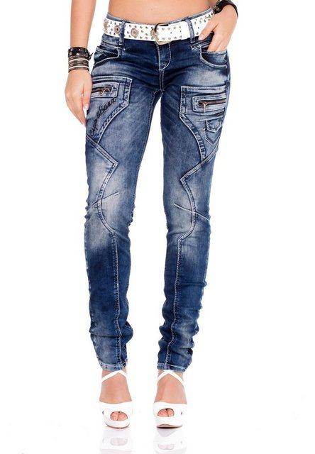 Hosen - Cipo Baxx Bequeme Jeans im Regular Fit Schnitt mit coolem Gürtel › weiß  - Onlineshop OTTO