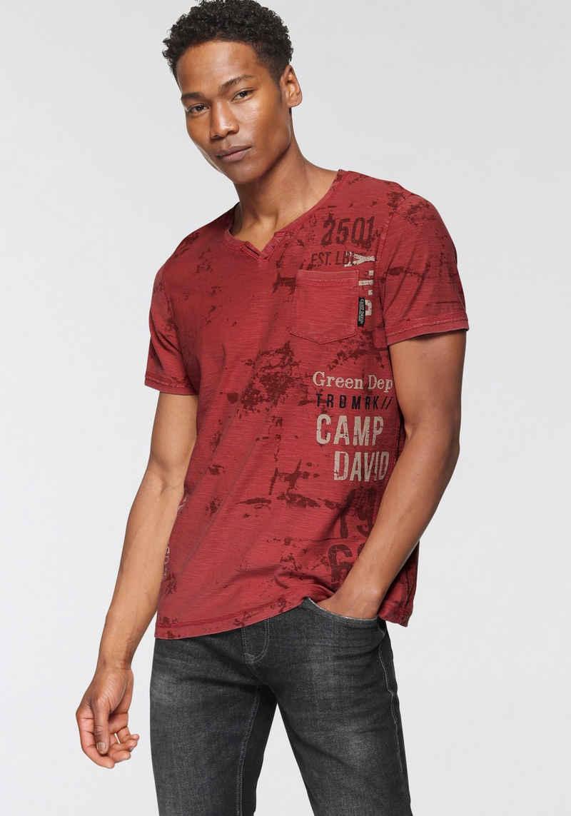CAMP DAVID V-Shirt mit Brusttasche
