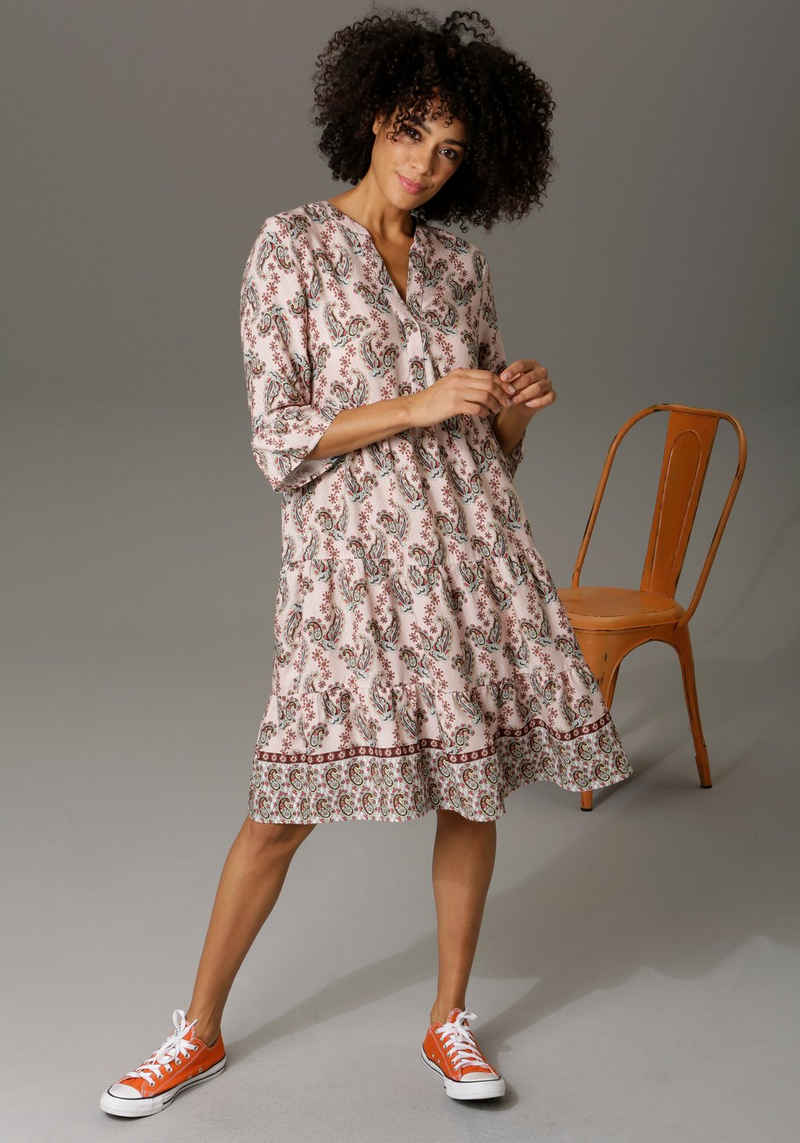 Aniston CASUAL Tunikakleid mit verspielten Paisley-Druck
