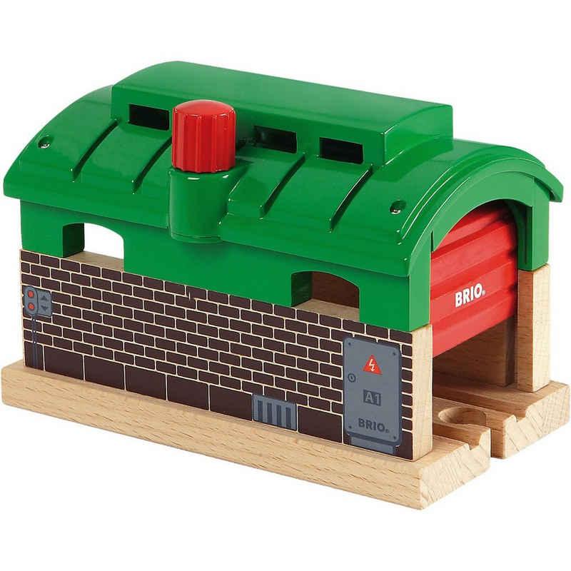 BRIO® Spielzeug-Eisenbahn »Lokschuppen mit Tor«