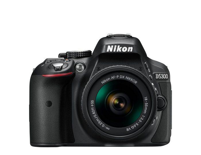 Nikon »D5300« Spiegelreflexkamera (AF-P DX NIKKOR 70-300mm 1:4,5-6,3G ED VR, 24,2 MP, WLAN (Wi-Fi), AF-P 18-55VR & AF-P 70-300VR + Tasche CF-EU 11 + 16 GB SD + 10 € FGS)