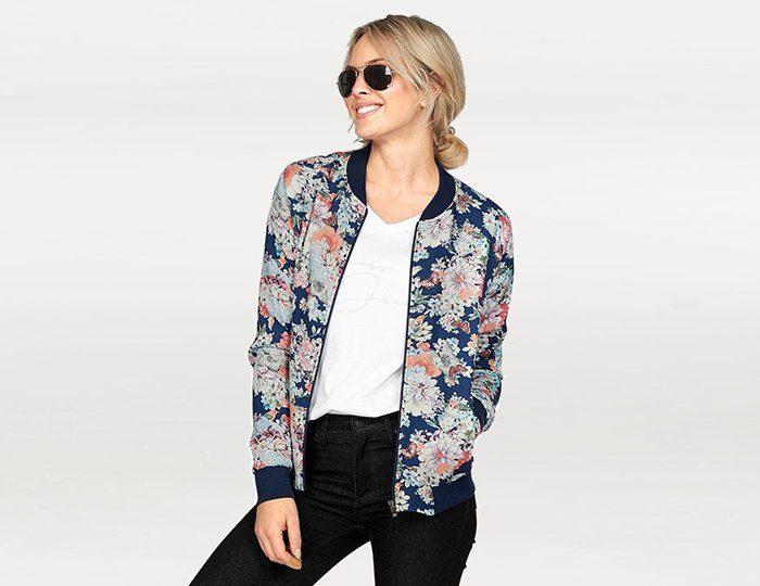 Cross Jeans® Blousonjacke, mit schönem Blumendruck