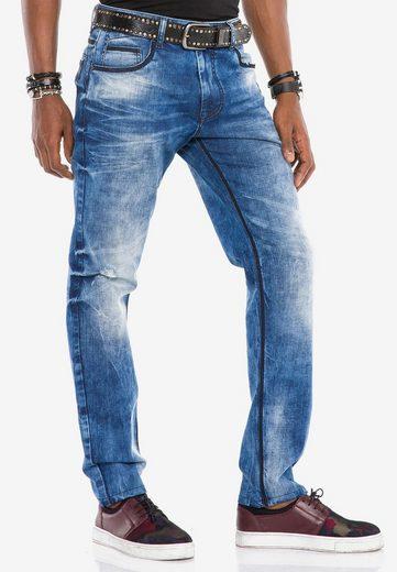 Cipo & Baxx Bequeme Jeans mit coolen Kontrastnähten