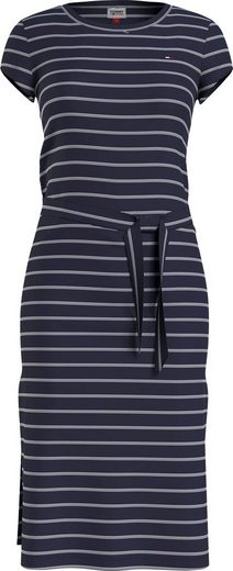 Tommy Jeans Jerseykleid »TJW BELTED STRIPE DRESS« mit feinem Streifendessin & Tommy Jeans Logo-Flag