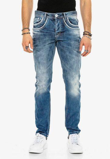 Cipo & Baxx Bequeme Jeans »Busk« mit aufgestickten Taschen