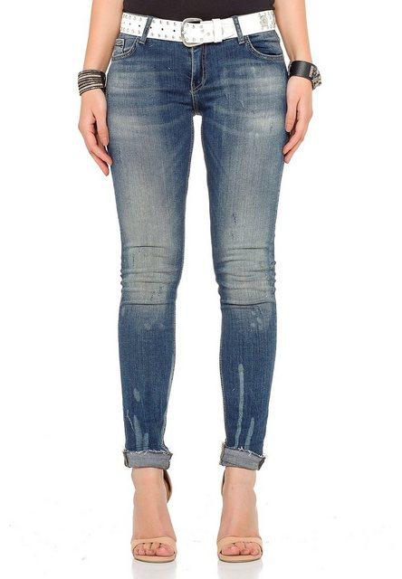 Hosen - Cipo Baxx Bequeme Jeans im Regular Fit Schnitt › weiß  - Onlineshop OTTO