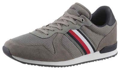 Tommy Hilfiger »ICONIC MATERIAL MIX RUNNER« Sneaker mit seitlichen Streifen