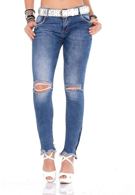 Hosen - Cipo Baxx Bequeme Jeans im Regular Fit Schnitt mit praktischem Gürtel › weiß  - Onlineshop OTTO