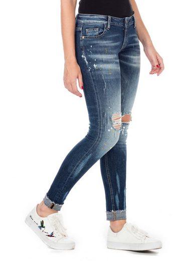Cipo & Baxx Bequeme Jeans mit schicker Waschung