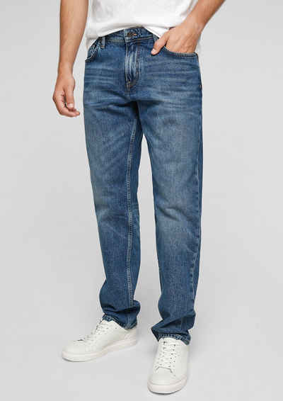 s.Oliver 5-Pocket-Jeans »Relaxed: Straight leg-Jeans« Waschung, Label-Patch