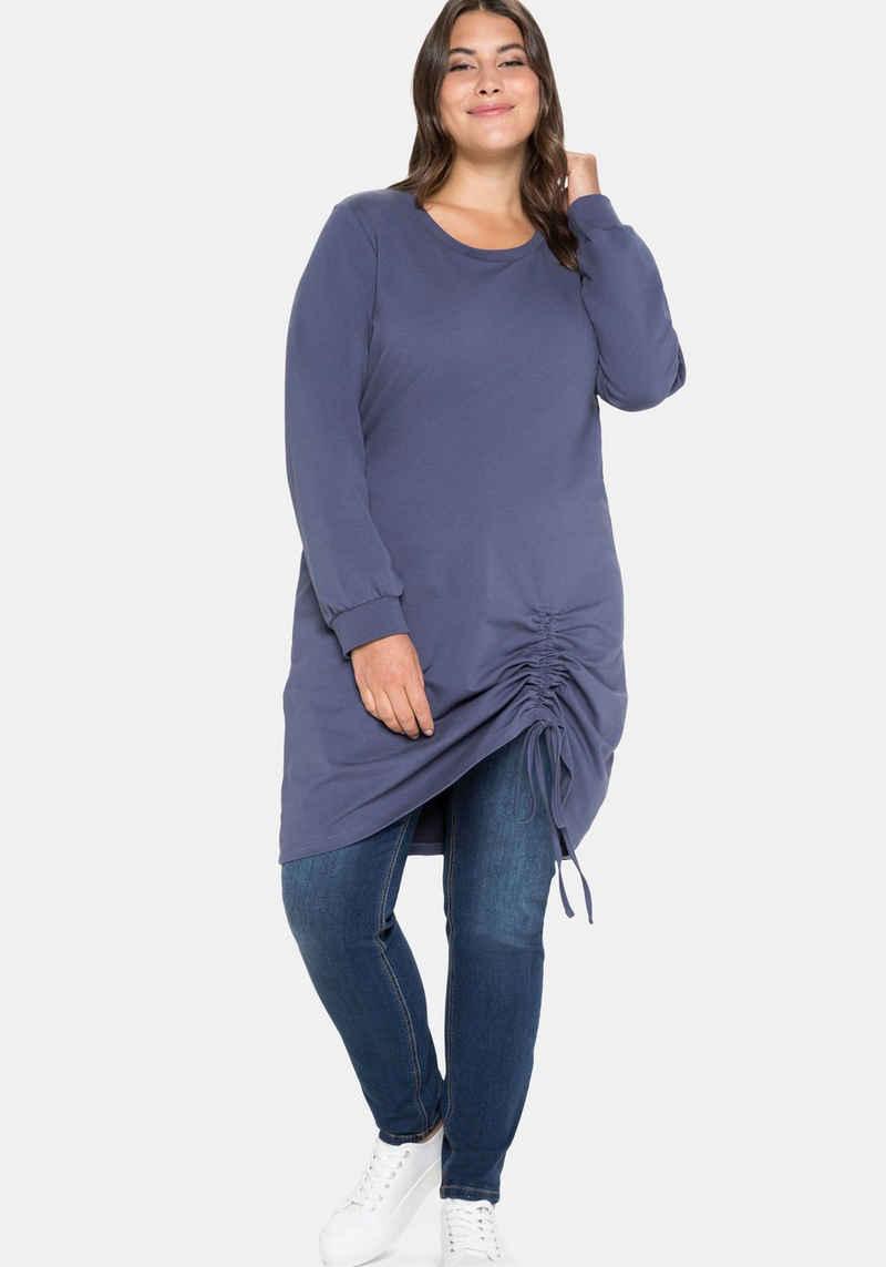 Sheego Shirtkleid in Oversized-Form mit seitlicher Raffung