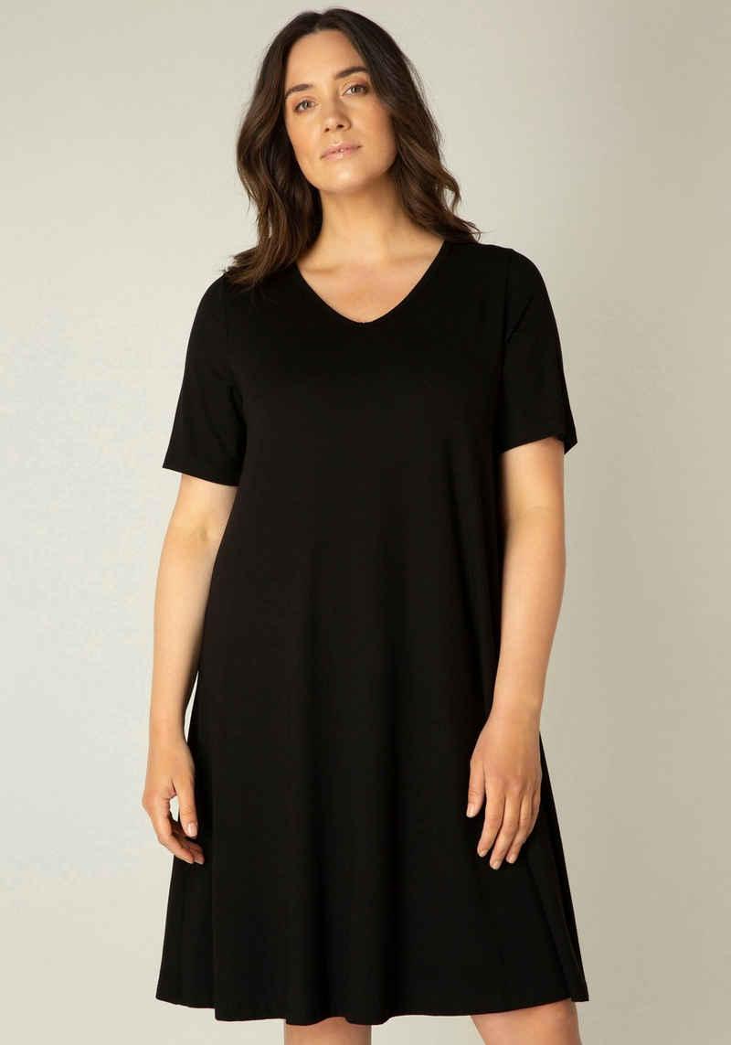 Base Level Curvy Shirtkleid »Abernathy« In leicht ausgestellter Form