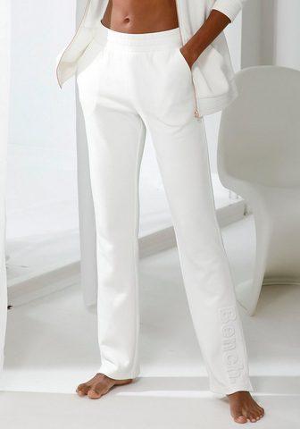 Bench. Laisvalaikio kelnės iš Piqué su 3D-Log...