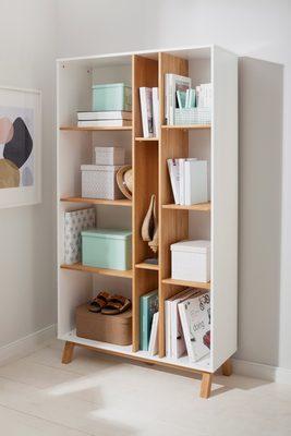 Bücherregal »Saillon«, aus massivem Kiefernholz, mit vielen Stauraummöglichkeiten, Breite 100 cm