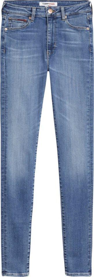 tommy jeans -  Skinny-fit-Jeans »SYLVIA HR SUPER SKNY KDBST« mit Fadeout-Effekten und  Logo-Flag & Badge