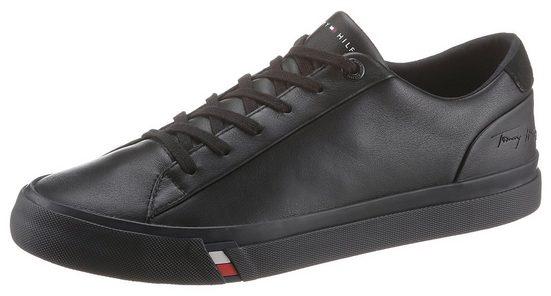 TOMMY HILFIGER »CORPORATE LEATHER SNEAKER« Sneaker mit Logoschriftzug an der Ferse