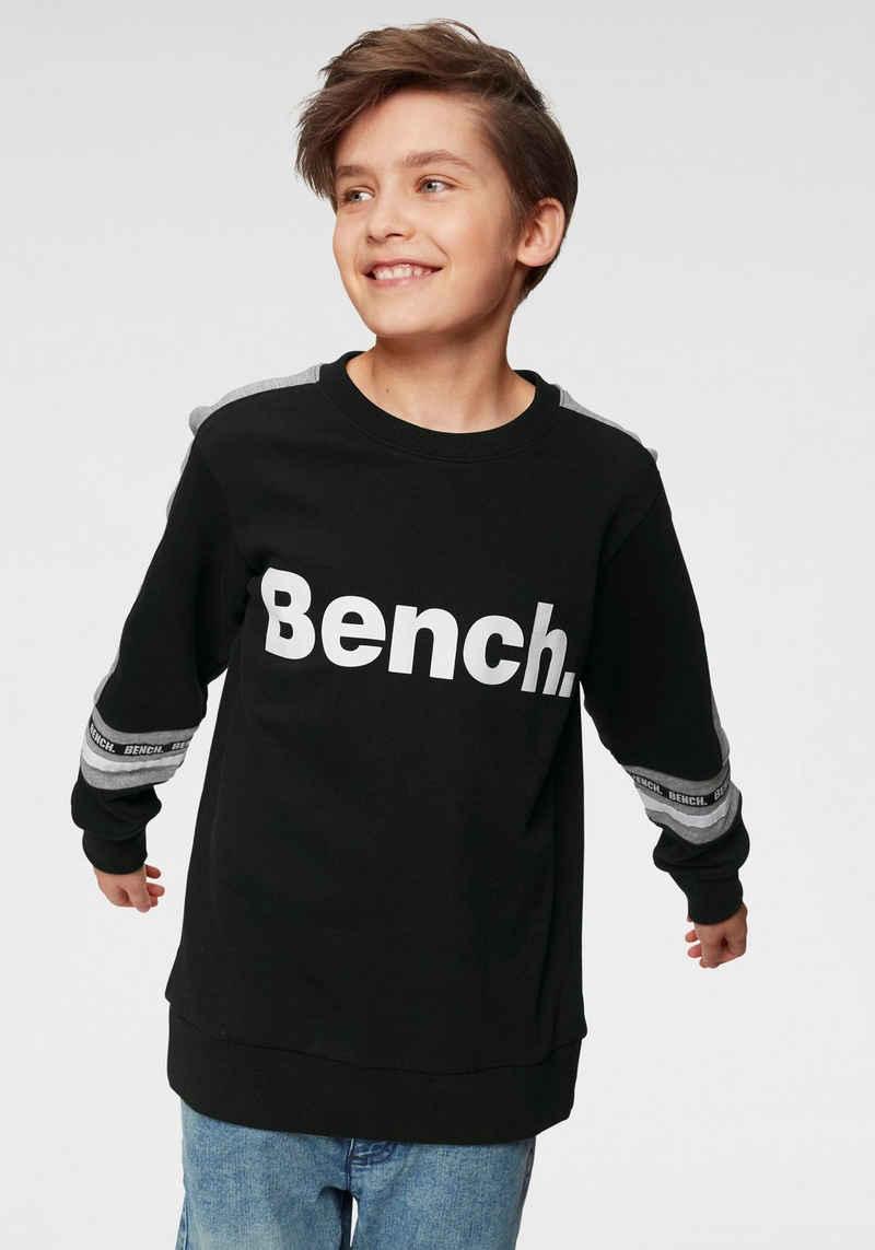 Bench. Sweatshirt »mit farbigen Einsätzen«
