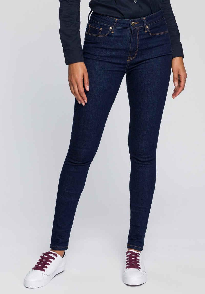 Tommy Hilfiger Skinny-fit-Jeans »HERITAGE COMO SKINNY RW« mit Tommy Hilfiger Logo-Badge