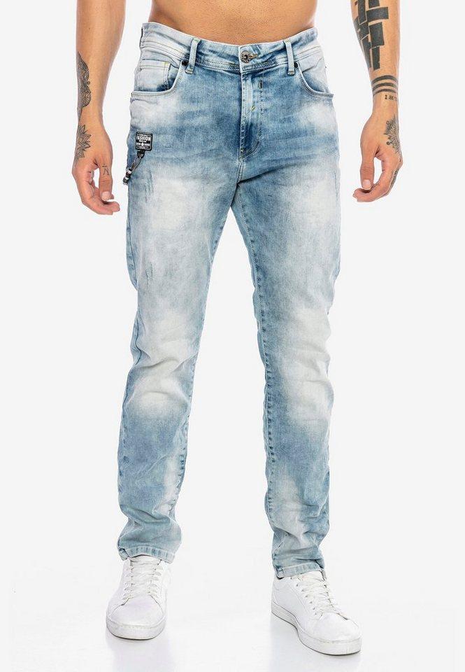 redbridge -  Bequeme Jeans »Lansing« mit tollem Ketten-Element