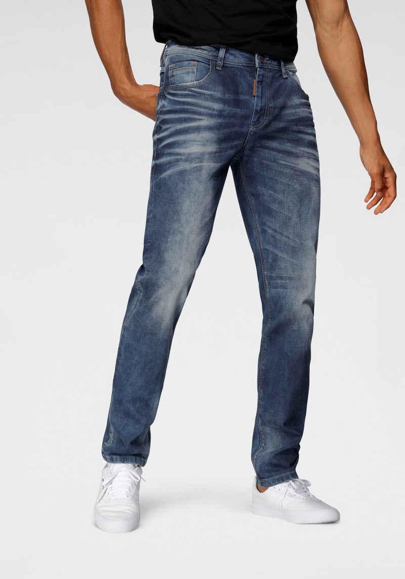 Cipo & Baxx Slim-fit-Jeans auffällig, markante Waschung