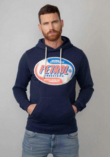 Petrol Industries Kapuzensweatshirt mit modischen Markenprint