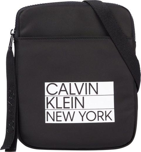 Calvin Klein Umhängetasche »FLATPACK S«, mit Logo Applikation