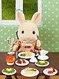 EPOCH Traumwiesen »Sylvanian Families Dinner for Two-Set« Puppenhausmöbel, Bild 2