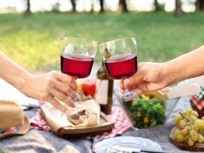 APS Gläser-Set, Tritan, 4-tlg. Trinkbecher, Weingläser für Camping und Garten, unzerbrechlich