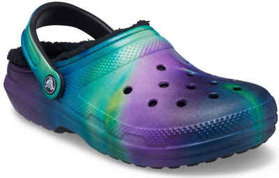 Crocs »Classic Lined Out of This World Clog« Hausschuh mit Batik-Muster